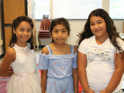 photo of three girls